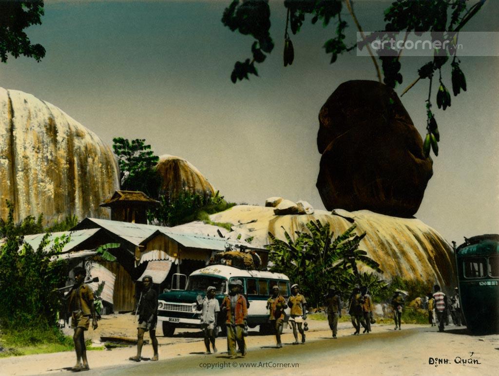 Định Quán xưa - Đá Ba Chồng - Đá Ba Chồng rocks - Định Quán - 1950s