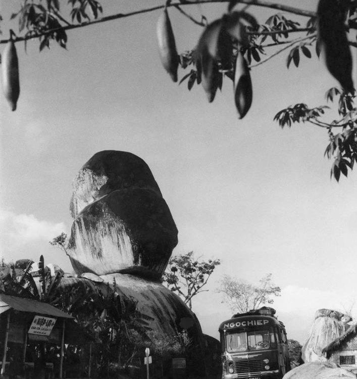 Định Quán xưa - Đá Ba Chồng - Đá Ba Chồng rocks - Định Quán - 1957