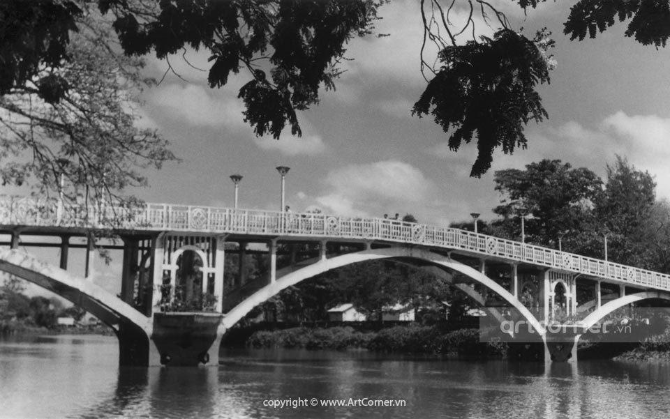 Sài Gòn xưa - The bridge in The Botanical Garden - Cầu trong Thảo Cầm Viên - Sài Gòn - 1961