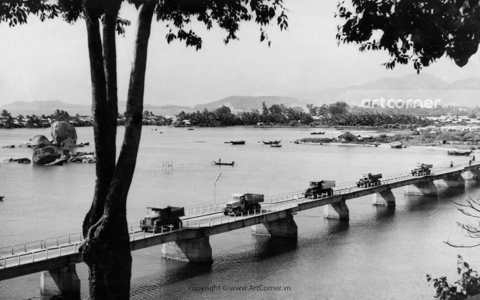 Nha Trang xưa - Bóng Village Bridge - Cầu Xóm Bóng - Nha Trang - 1957