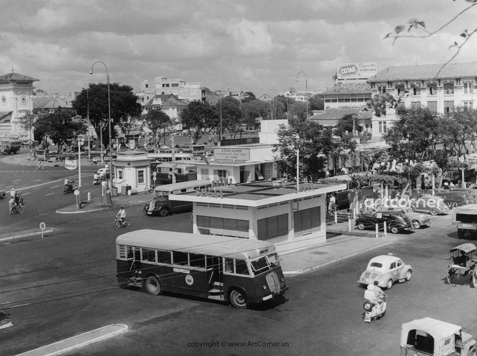 Sài Gòn xưa - Bến Thành market ,Diên Hồng square and Công Quản bus station - Chợ Bến Thành, Công trường Diên Hồng và bến xe buýt Công Quản - Sài Gòn - 1957