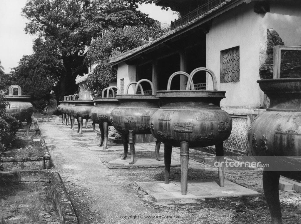 Huế xưa - Cửu Đỉnh - Nine Dynastic Urns - Huế - 1957