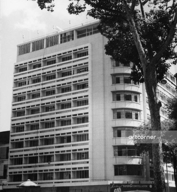 Sài Gòn xưa - The construction of Caravelle Hotel - Khách sạn Caravelle đang xây dựng - Sài Gòn - 1959