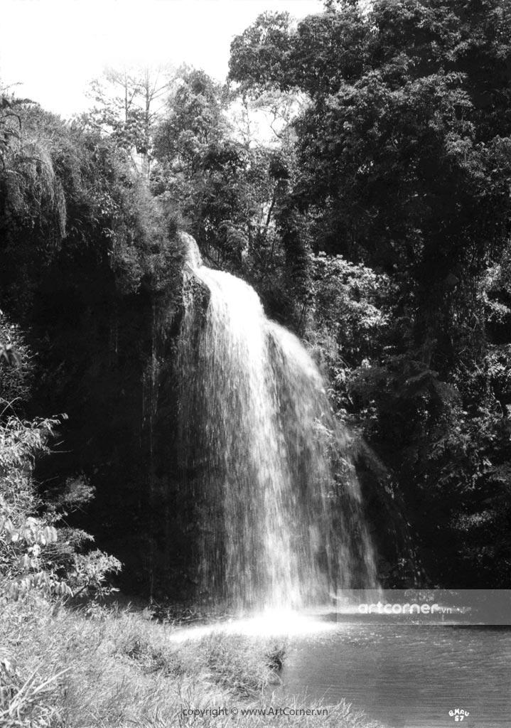 Đà Lạt xưa - Nét hoang sơ của thác Prenn - Đà Lạt - 1950