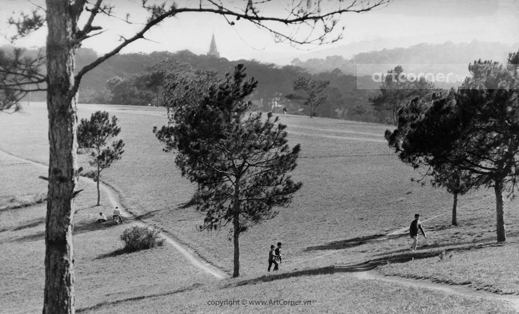 Đà Lạt xưa - Romantic Hills and Mountains - Núi Đồi Thơ Mộng - Đà Lạt - 1967