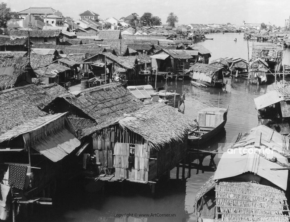 Sài Gòn xưa - A poor village by the river - Xóm nghèo trên sông - Sài Gòn - 1957