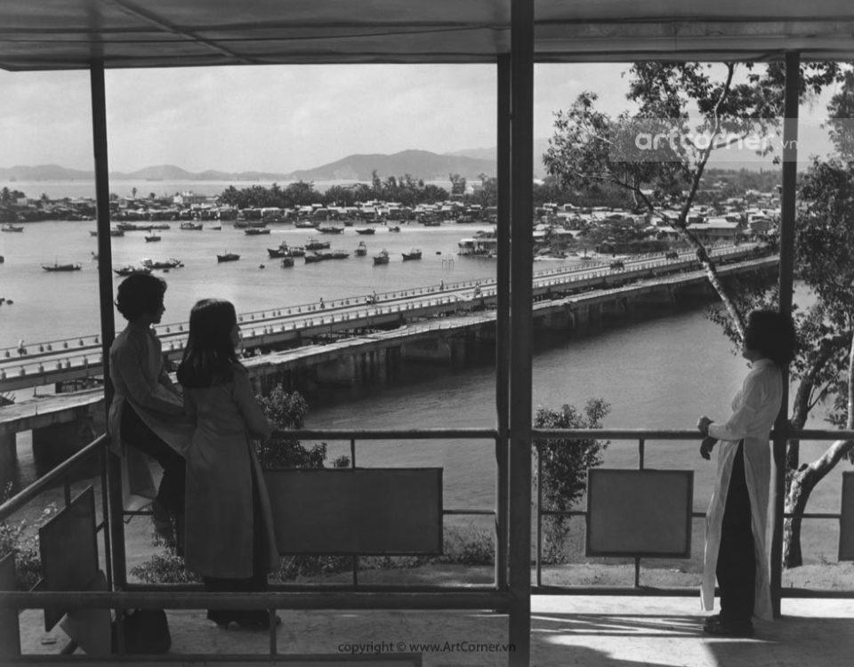 Nha Trang xưa - Xóm Bóng nhìn từ Tháp Bà Po Nagar - Bóng Village seen from Po Nagar Temple - Nha Trang - 1967