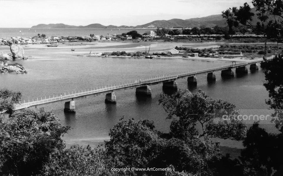 Nha Trang xưa - Cầu Xóm Bóng - Bóng Village Bridge - Nha Trang - 1957