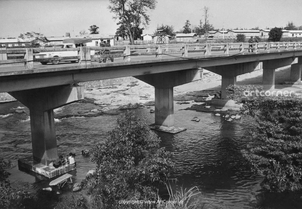 Nha Trang xưa - Street scene in Nha Trang - Đường phố Nha Trang - 1968