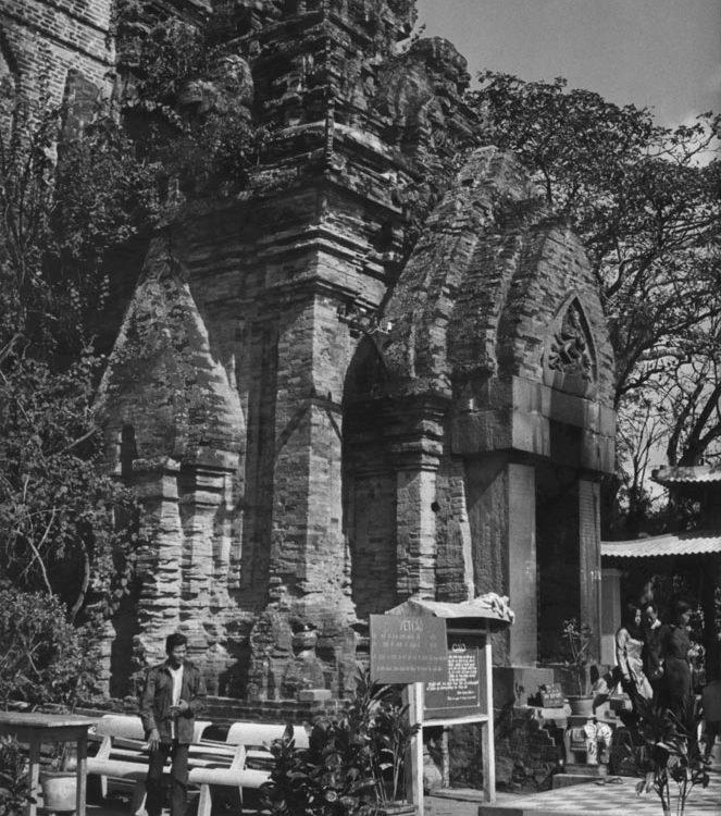 Nha Trang xưa - Tháp Bà Po Nagar - Po Nagar temple - Nha Trang - 1969