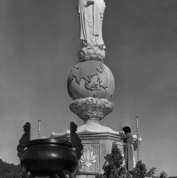 Nha Trang xưa - Tượng Phật Quan Âm ở đèo Rù Rì - Nha Trang - 1969