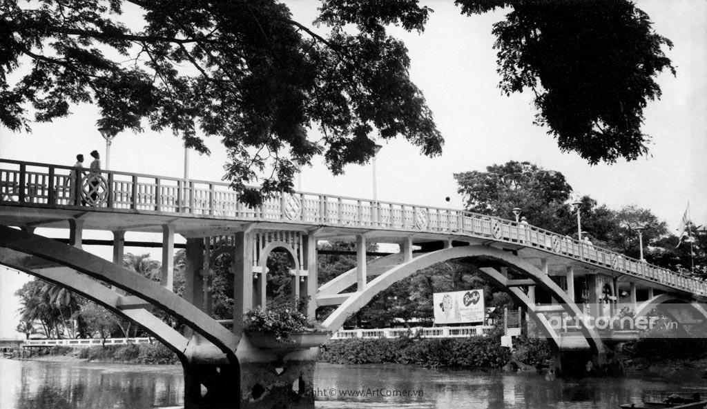Sài Gòn xưa - Cầu trong Thảo Cầm Viên - The bridge in The Botanical Garden - Sài Gòn - 1961