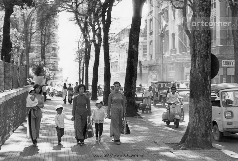 Sài Gòn xưa - Đường Tự Do (đường Đồng Khởi ngày nay) - Tự Do Street (Đồng Khởi street now) - Sài Gòn - 1969